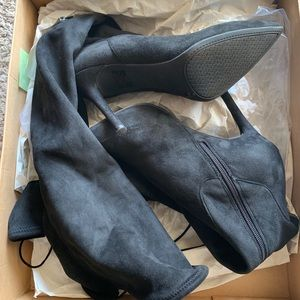 Jessica Simpson londy boots